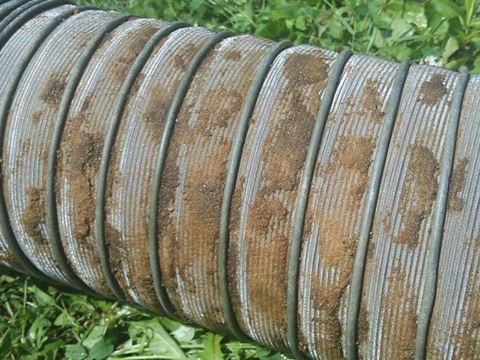Вид сетки после ее использования для фильтрации воды в скважине