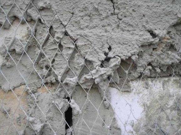 Просечную сетку используют для укрепления штукатурки