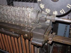 Простой станок для изготовления сетки рабица своими руками