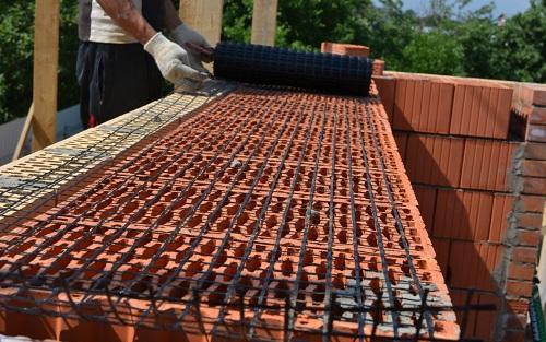 Базальтовую сетку с успехом используют в частном строительстве