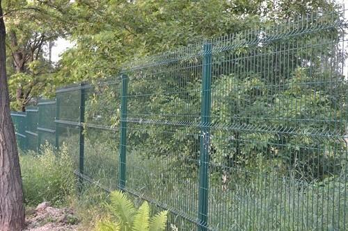 Забор из декоративной сварной сетки
